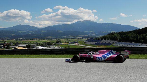 Пилот Формулы-1 Серхио Перес во время Гран-при Австрии