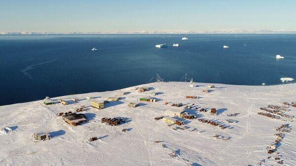 Ледовая база на мысе Баранова (Северная Земля)
