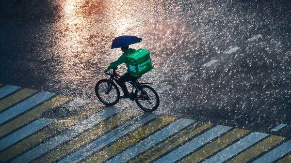 Четверг в Москве стал самым холодным днем июня