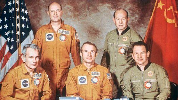 Космическое рукопожатие: миссия Союз – Аполлон