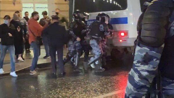 Задержания на несанкционированной акции оппозиции в Москве