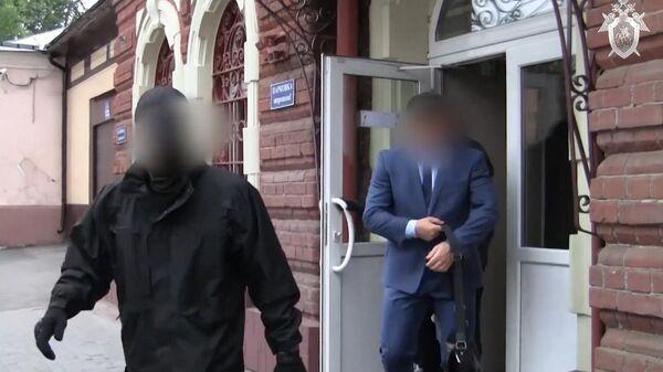 Задержание сотрудниками СК РФ и УФСБ вице-мэра Томска по безопасности и общим вопросам Евгения Сурикова по подозрению в получении крупной взятки