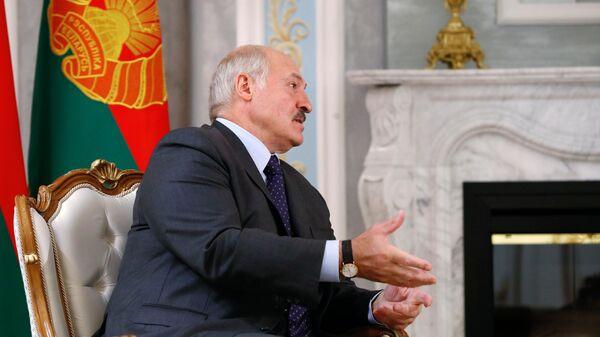 Президент Белоруссии Александр Лукашенко во время встречи с председателем правительства РФ Михаилом Мишустиным в Минске