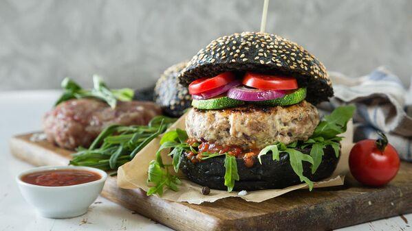 Черный гамбургер