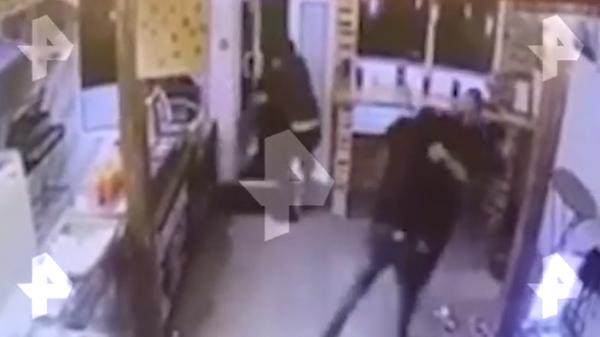 Драка в московском ресторане Армянский дом попала на видео