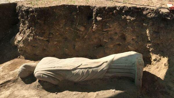 1700-летняя статуя женщины эллинистического периода, найденная в древнем городе Перге, ныне находящемся в турецкой средиземноморской провинции Анталья