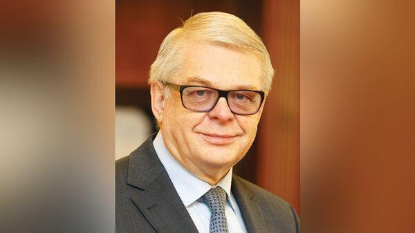 Анатолий Шишанов
