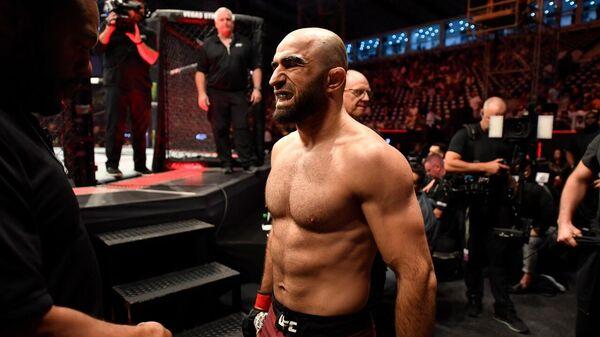 Российский боец Ахмедов проиграл экс-чемпиону UFC Вайдману