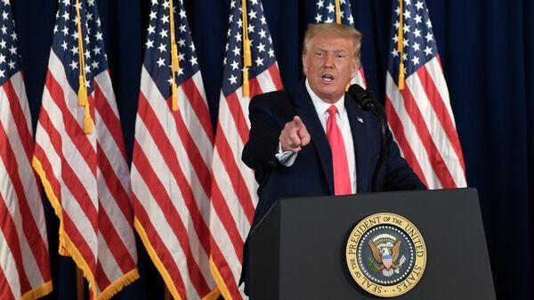 Президент США Дональд Трамп во время пресс-конференции в Бедминстере