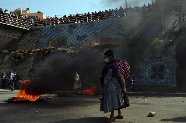 Сторонники бывшего президента Боливии Эво Моралеса во время акции протеста в Эль-Альто