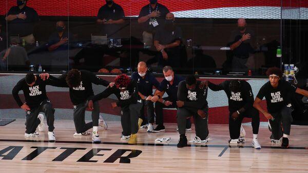 Баскетболисты Нью-Орлеан Пеликанс