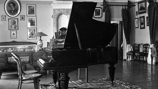 Ада Айнбиндер: гений П. Чайковского - в гармонии его музыки