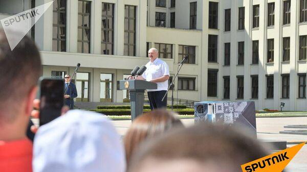 Александр Лукашенко на митинге в свою поддержку в Минске