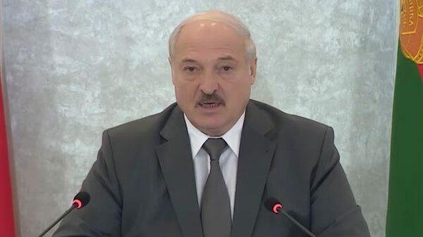 Лукашенко о западных лидерах: У этих господ бревно в глазу