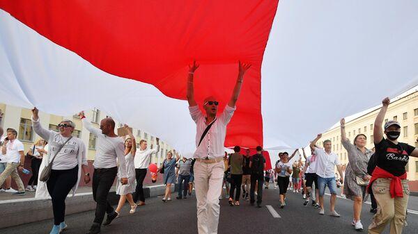 Митингующие в Минске