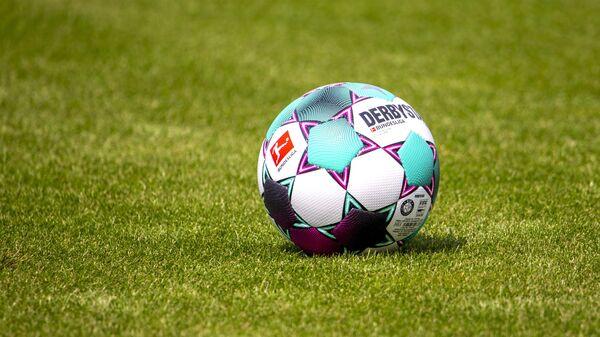 Мяч чемпионата Германии по футболу
