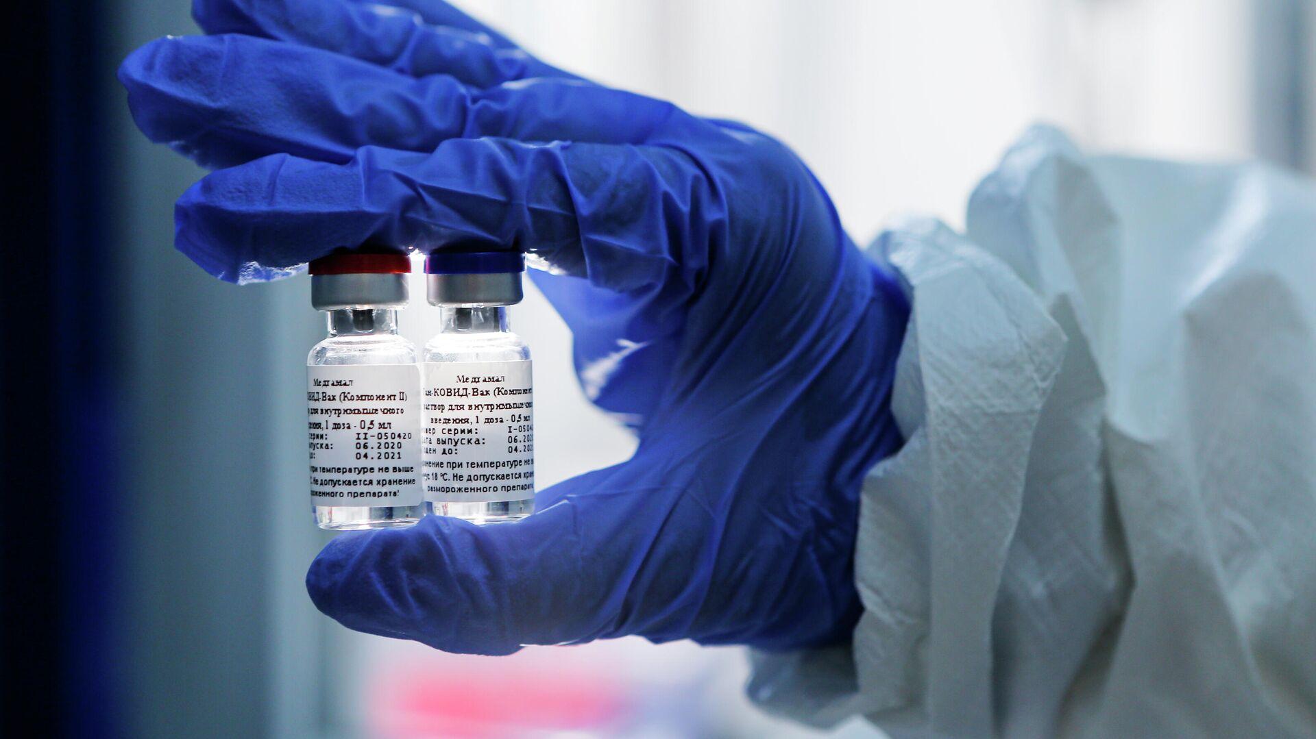 Первая в мире вакцина от коронавируса, зарегистрированная в России - РИА Новости, 1920, 21.08.2020