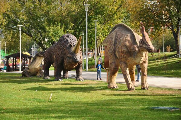 Динозавры в Академическом парке