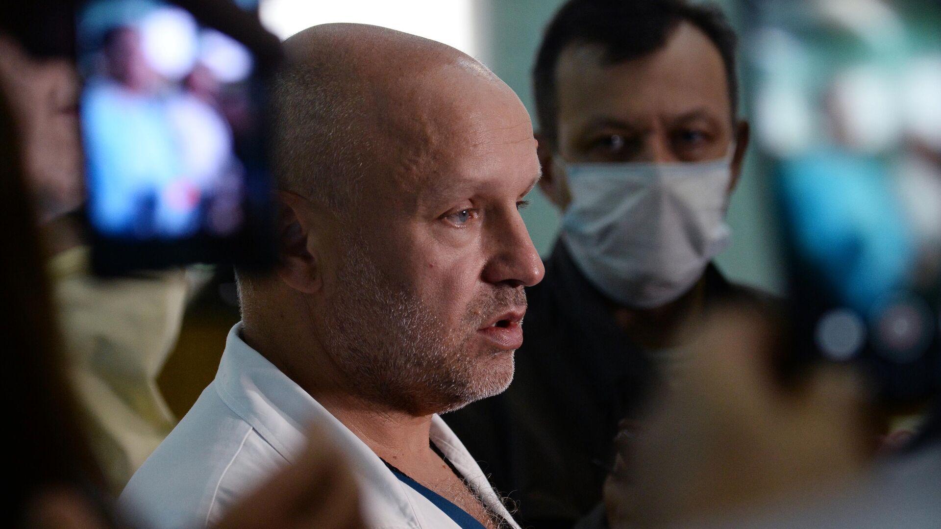 Возобновились поиски главы омского минздрава Мураховского