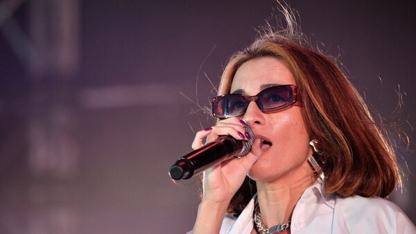 Хип-хоп исполнительница Lil Kate (Екатерина Ткаченко) выступает на фестивале Rap Koktebel в Крыму