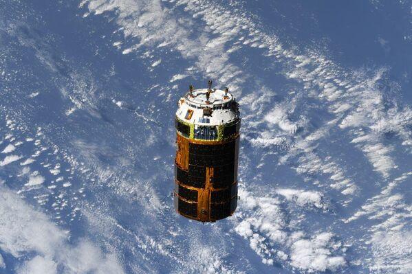 Японский грузовой корабль серии HTV-9 отстыковался от МКС