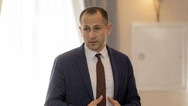 Временно исполняющим обязанности председателя правительства Южной Осетии Геннадий Бекоев