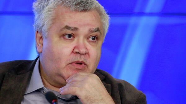 Максим Кронгауз: русский язык меняется и отвечает на вызовы
