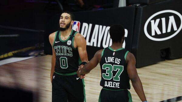 Баскетболисты Бостон Селтикс