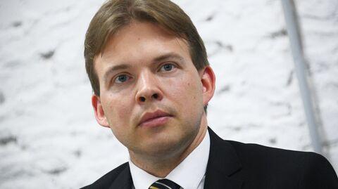 Член координационного совета оппозиции юрист Максим Знак на пресс-конференции Координационного совета оппозиции в Минске