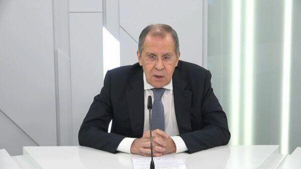 Лавров сравнил истории отравления Навального и Скрипалей