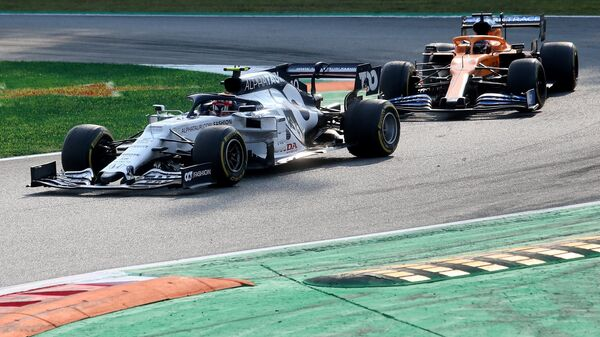 Пьер Гасли и Карлос Сайнс-младший на Гран-при Италии.