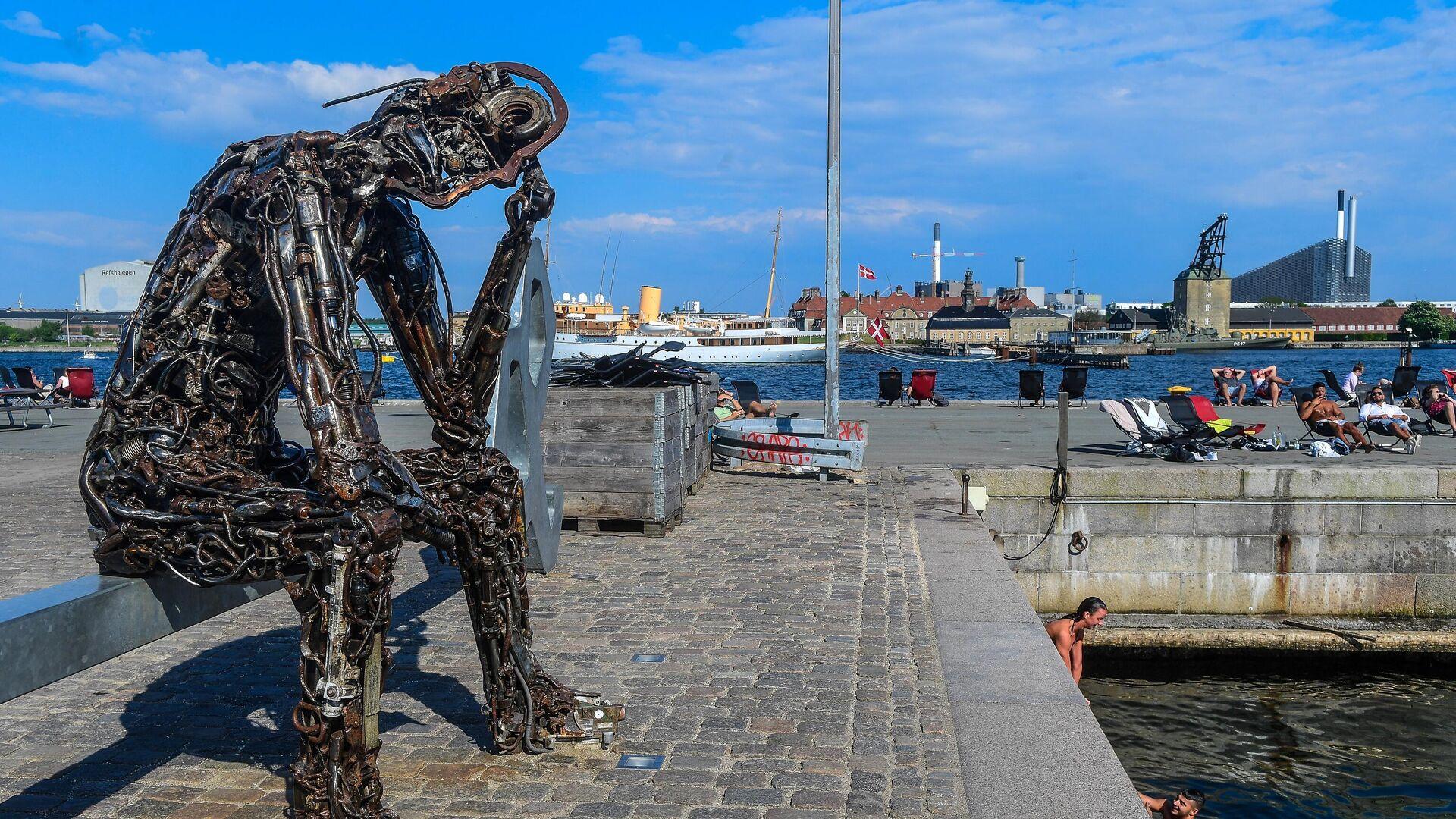 Памятник Iron man в Копенгагене. - РИА Новости, 1920, 09.09.2020