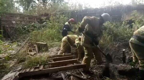 Тела двух подростков извлекли из-под завалов нежилого дома
