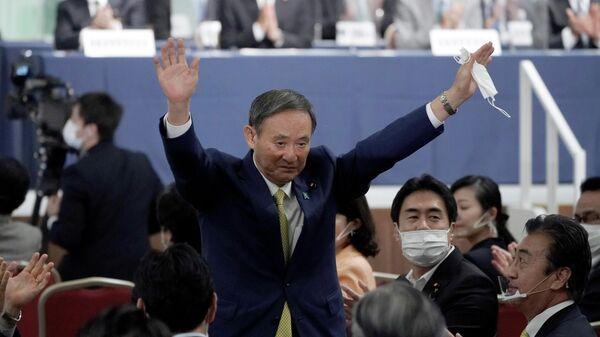Генеральный секретарь японского правительства Ёсихидэ Суга