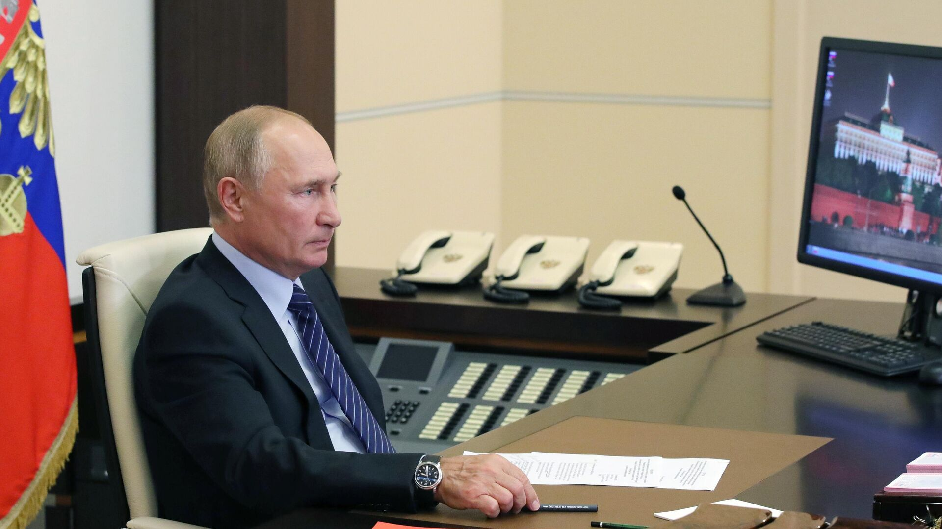 Президент РФ Владимир Путин проводит видеоконференцию по случаю открытия медицинских центров Минобороны для лечения пациентов с COVID-19 - РИА Новости, 1920, 18.09.2020