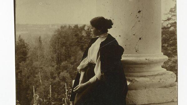 М.В. Якунчикова-Вебер. Введенское. 1897. Фотография сделана Л.Н. Вебером