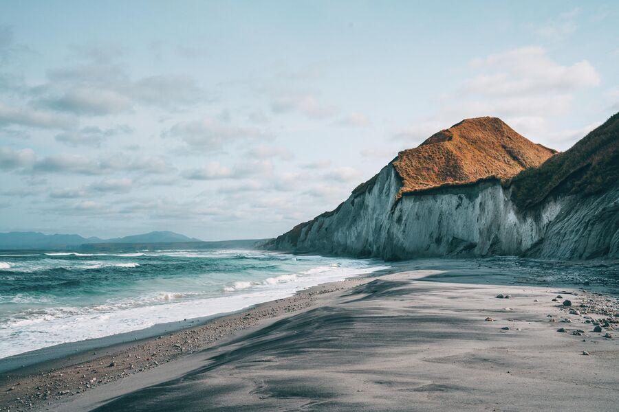 Белые скалы на острове Итуруп
