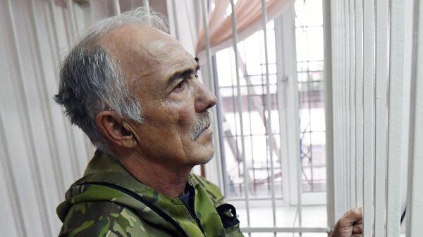 Пациент и подозреваемый в поджоге частной наркологической клиники Чистый город Дмитрий Еремин во время судебного заседания