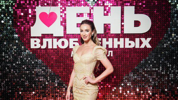Ольга Бузова на премьере мюзикла День влюбленных