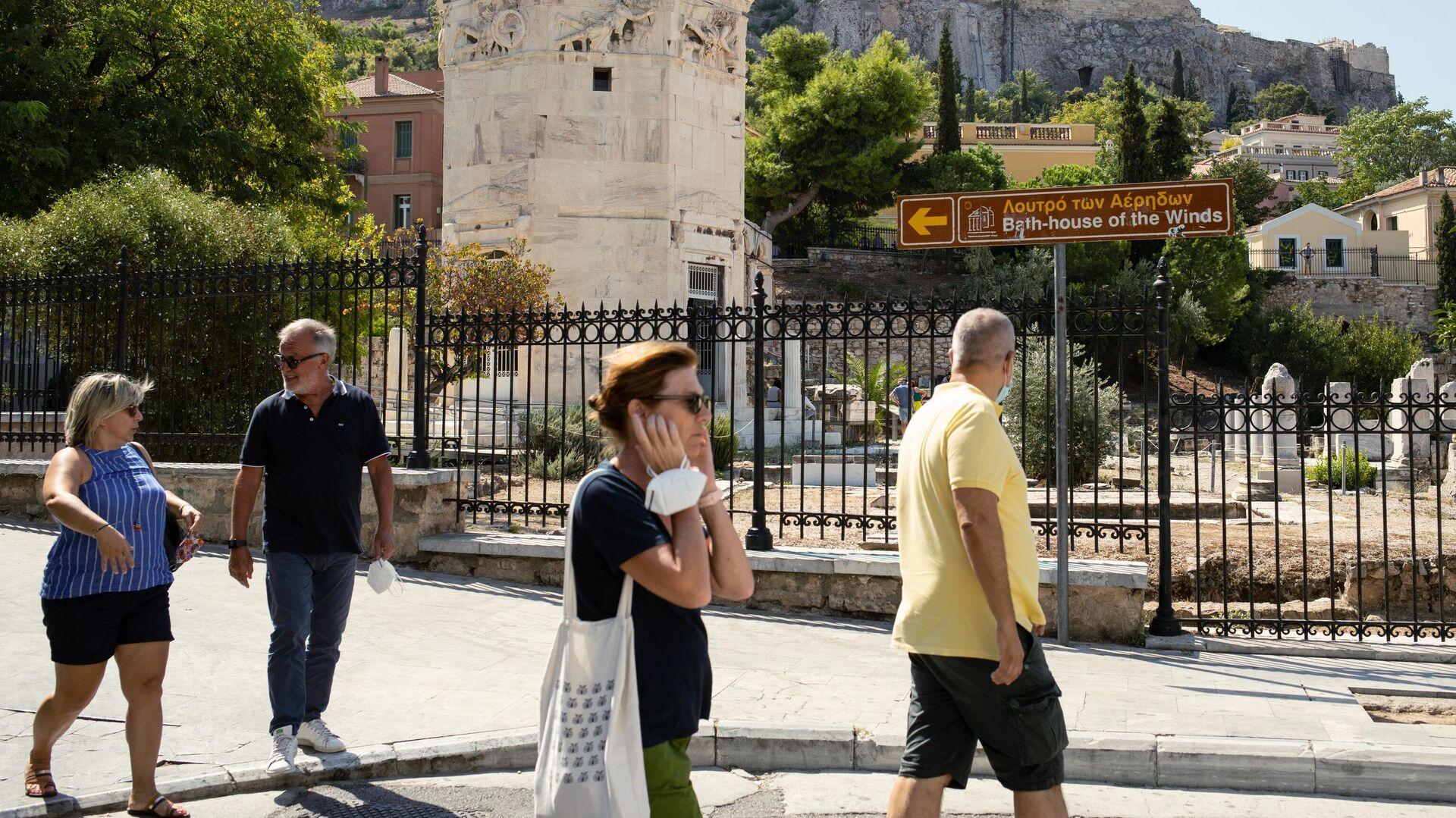 Туристы в районе Плака в Афинах - РИА Новости, 1920, 17.05.2021