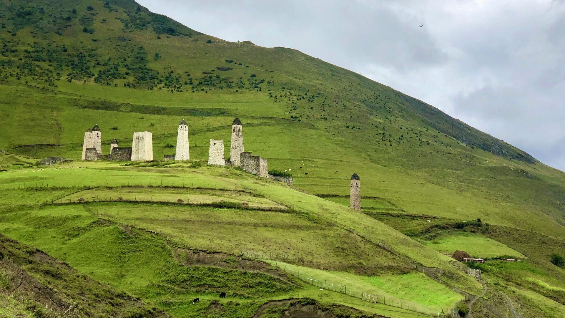 Эрзи - один из крупнейших средневековых башенных комплексов горной Ингушетии - РИА Новости, 1920, 28.09.2020