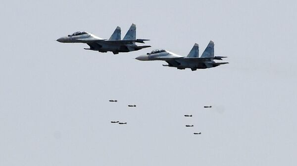 Истребители Су-30 во время командно-штабных учений Кавказ-2020 на полигоне Ашулук в Астраханской области