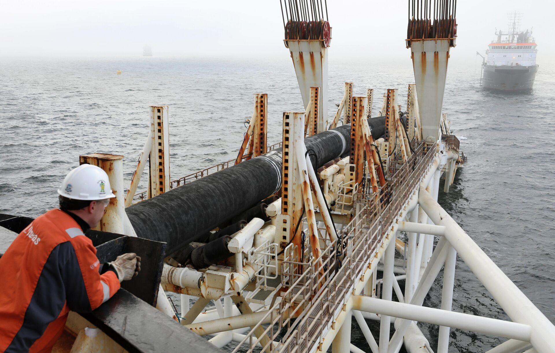 Cотрудник компании Allseas на судне Audacia во время прокладки газопровода Nord Stream 2 - РИА Новости, 1920, 25.09.2020