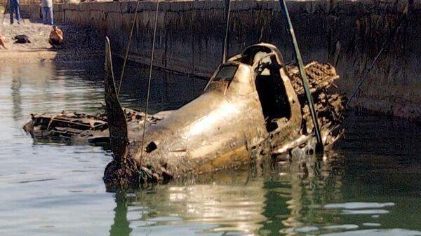Американский истребитель времен ВОВ подняли со дна моря в Крыму