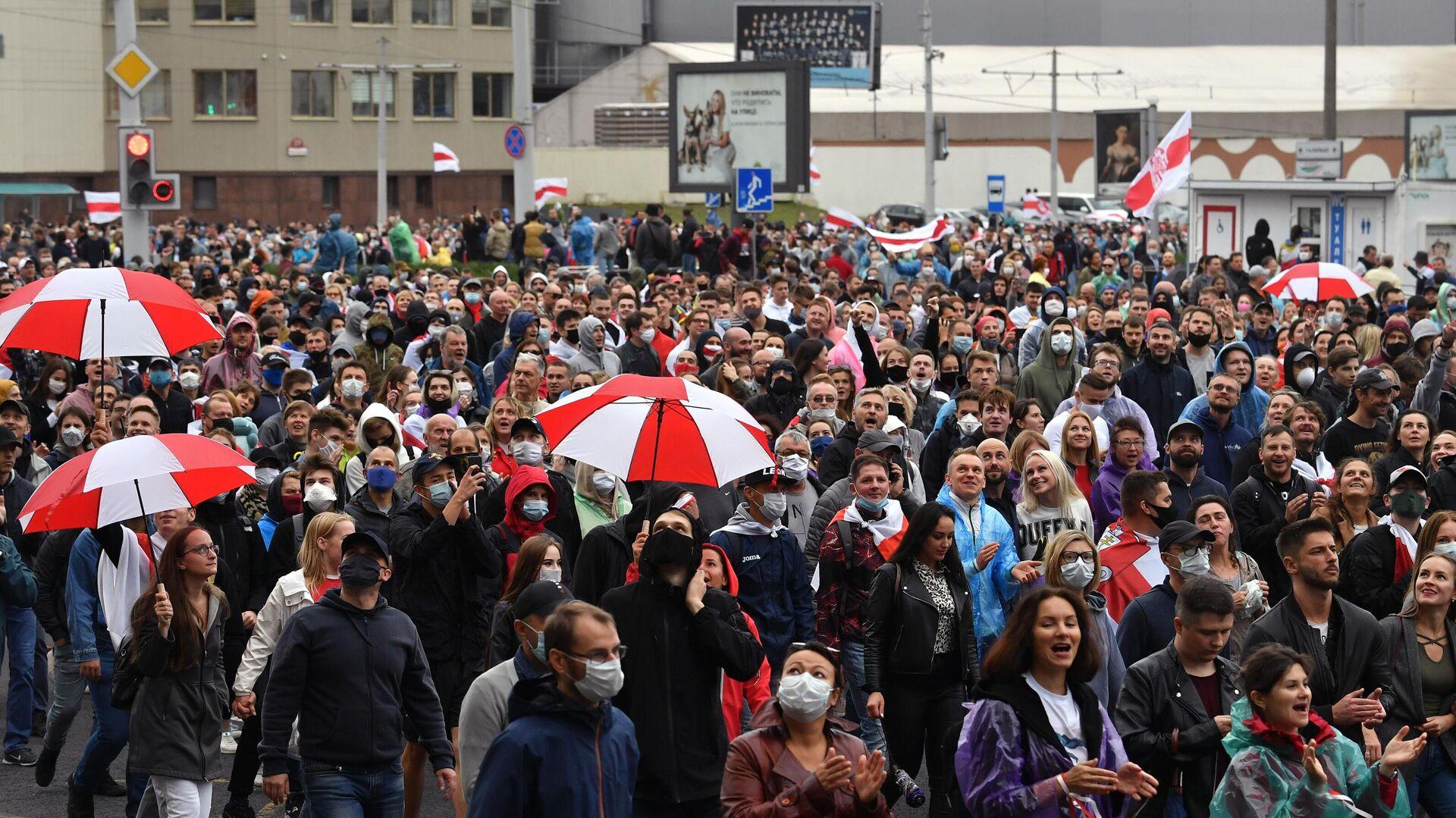 Участники несанкционированной акции протеста оппозиции в Минске - РИА Новости, 1920, 28.09.2020
