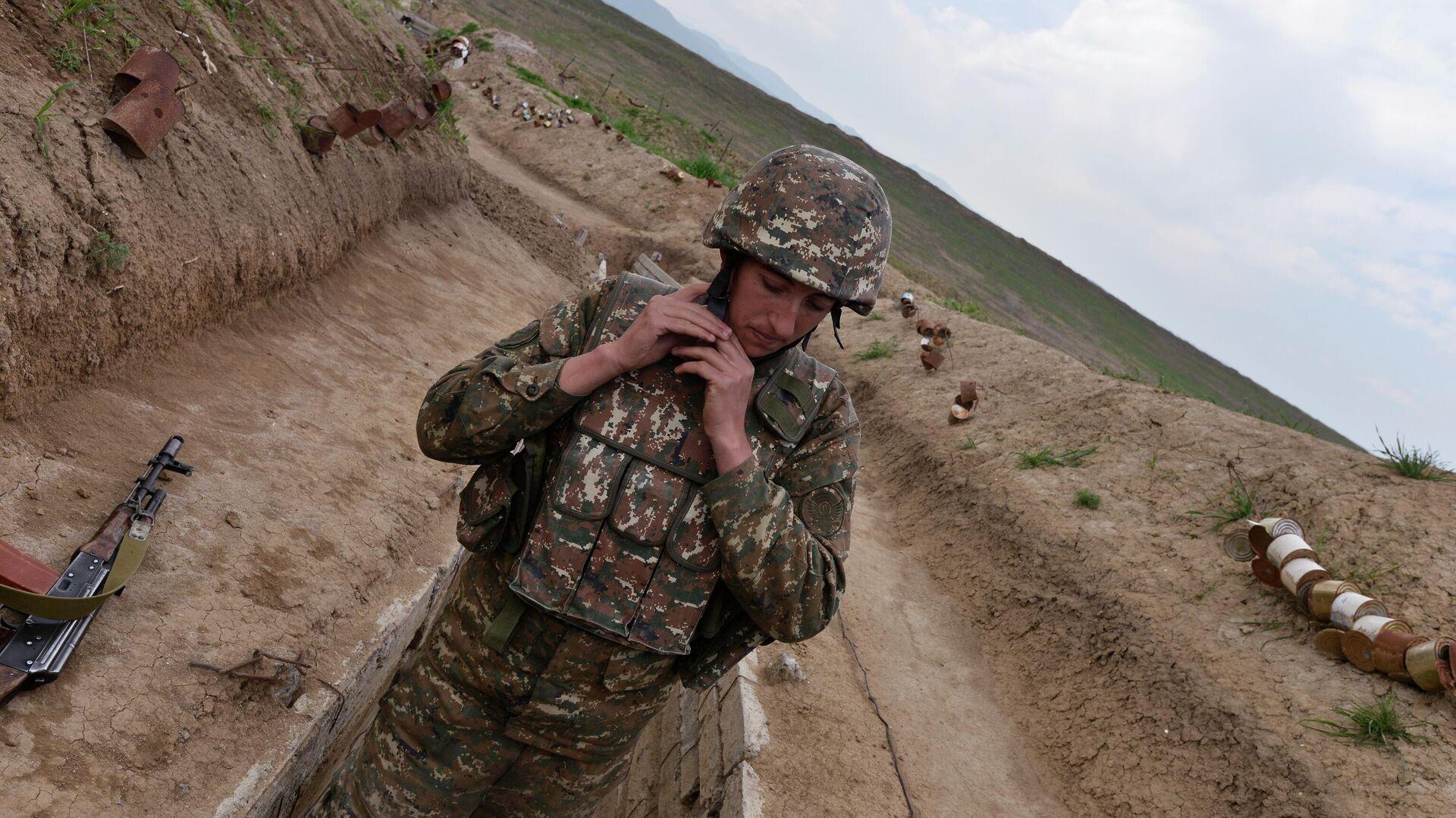 Военнослужащий в зоне карабахского конфликта - РИА Новости, 1920, 28.09.2020