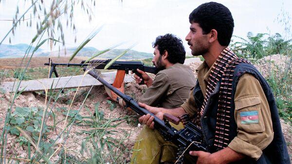 Нагорный Карабах. Азербайджанские бойцы на боевых позициях. Июль, 1992 год