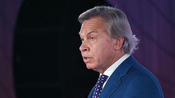 Сенатор, председатель Временной комиссии Совета Федерации по информационной политике и взаимодействию со СМИ Алексей Пушков