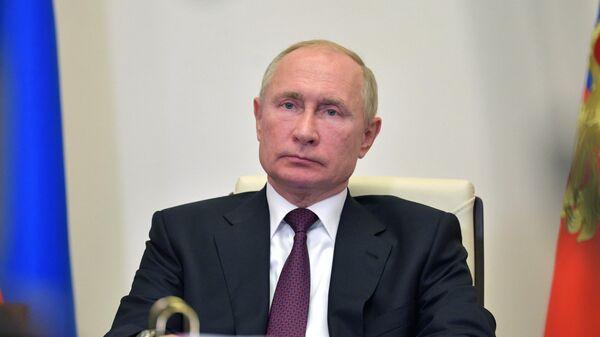 Президент РФ Владимир Путин во время видеоконференции
