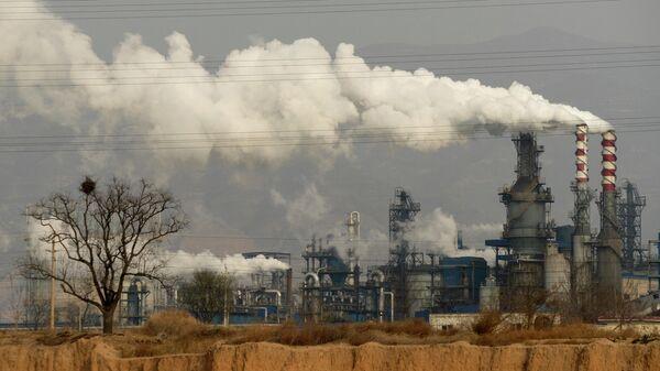 Углеперерабатывающий завод в Хэцзине в провинции Шаньси в центральном Китае